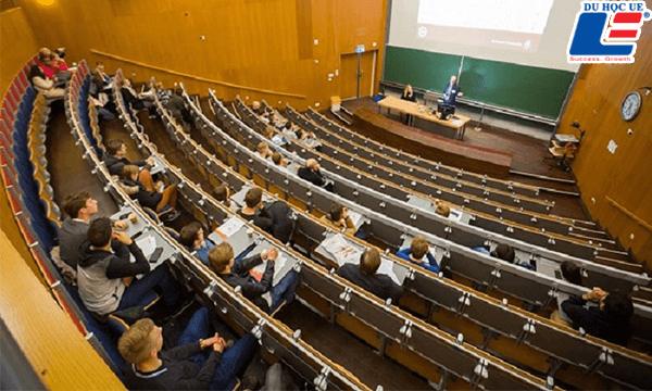 Radboud University Hà Lan