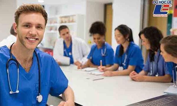 học ngành y tại anh
