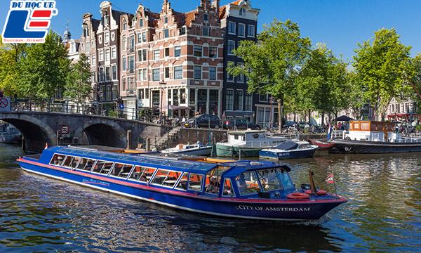 Amsterdam thành phố lớn của Hà Lan