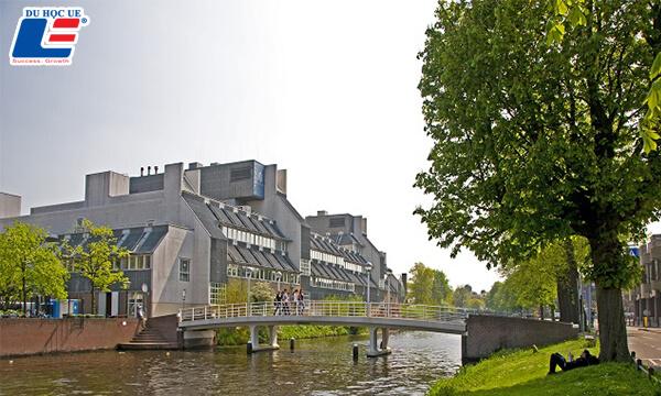 Học bổng Đại học Leiden