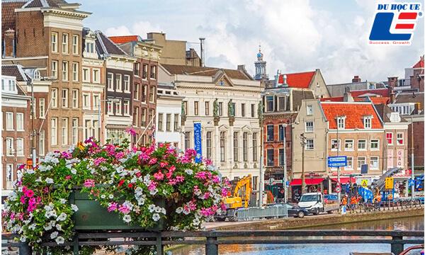 điều kiện du học Hà Lan về mặt tài chính