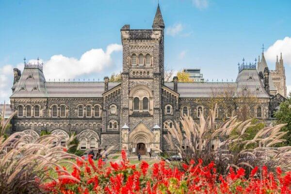 Đại học Toronto-top 5 trường đại học ở Canada