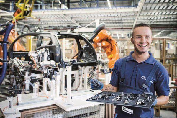 Nhóm ngành Cơ khí – Kỹ sư, một trong những ngành học ở Úc có độ hot hàng đầu
