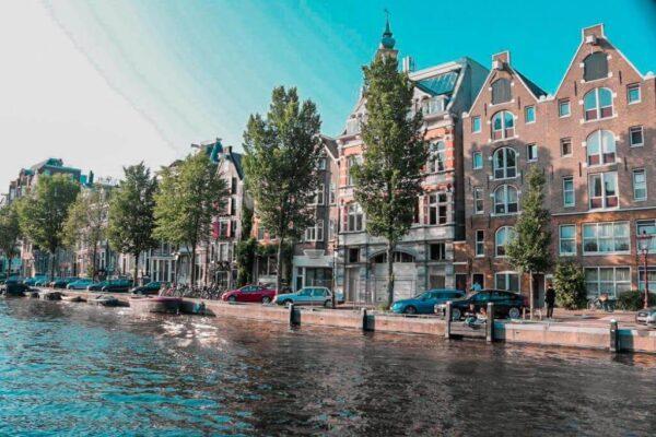 lưu ý bạn trước khi du học Hà Lan đó là tìm nhà ở khá khó khăn