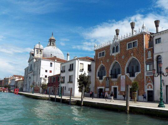 Thành phố Vince nơi bạn nên đến du lịch khi Du học ở Châu Âu