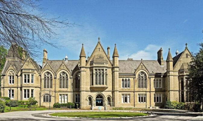 thong-tin-ve-truong-dai-hoc-university-of-bradford